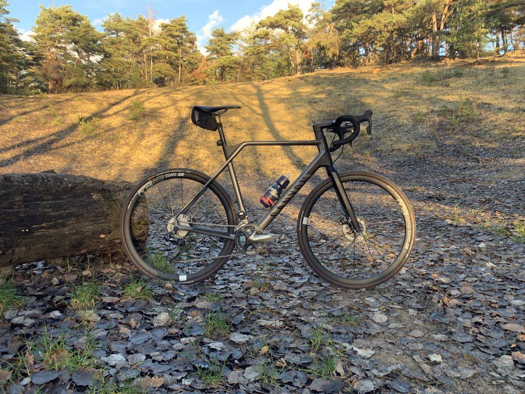 Canyon Inflite CF, le vélo à tout faire - No Level